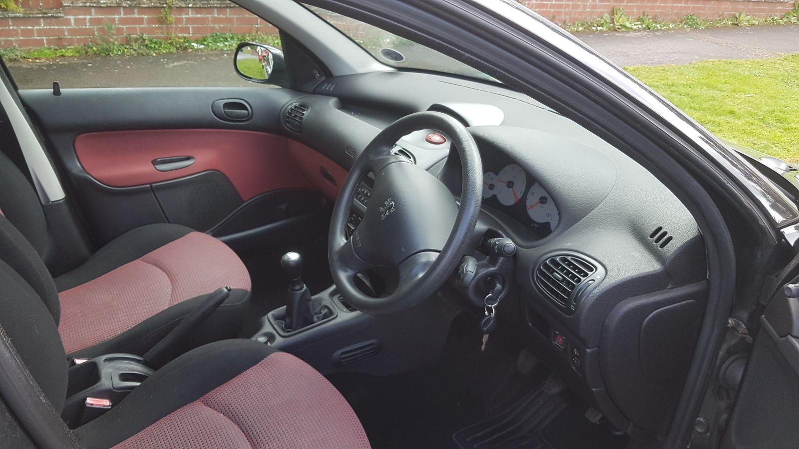 View Auto part Peugeot 206 2005 5 Door Hatchback Breaking
