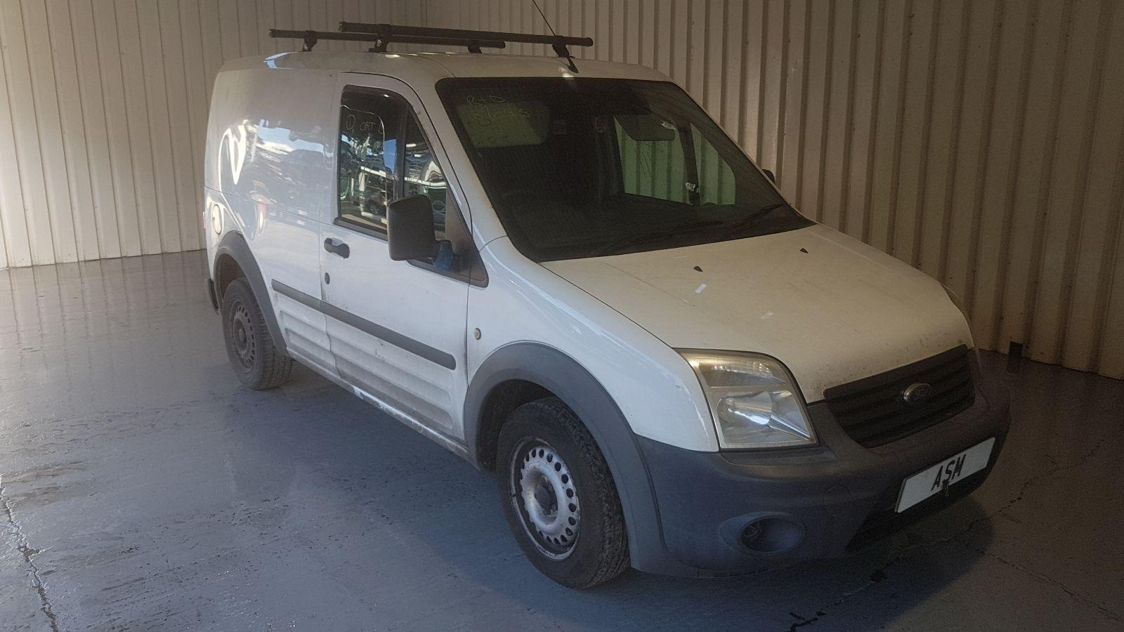 Image for a Ford Transit Connect 2013 2 Door Van Breaking