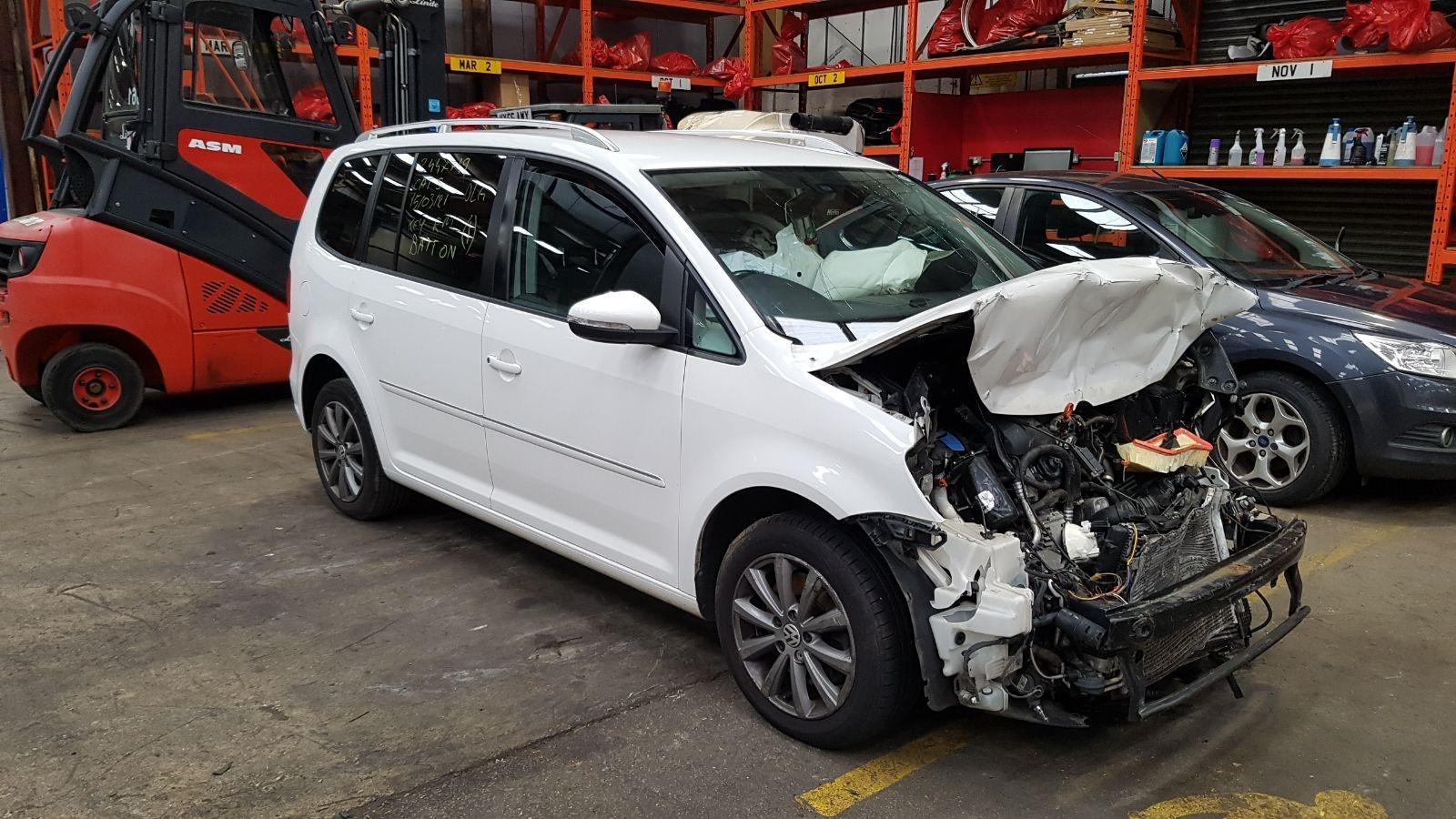 Image for a Volkswagen Touran 2012 5 Door Bodystyle.mpv Breaking
