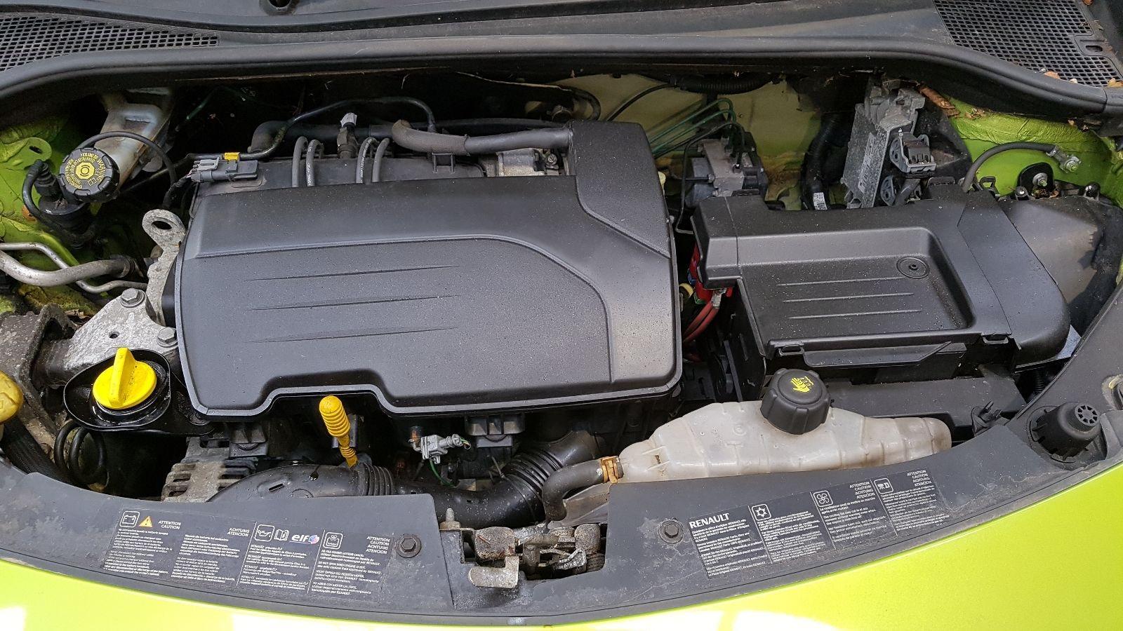 View Auto part Renault Clio 2010 5 Door Hatchback Breaking