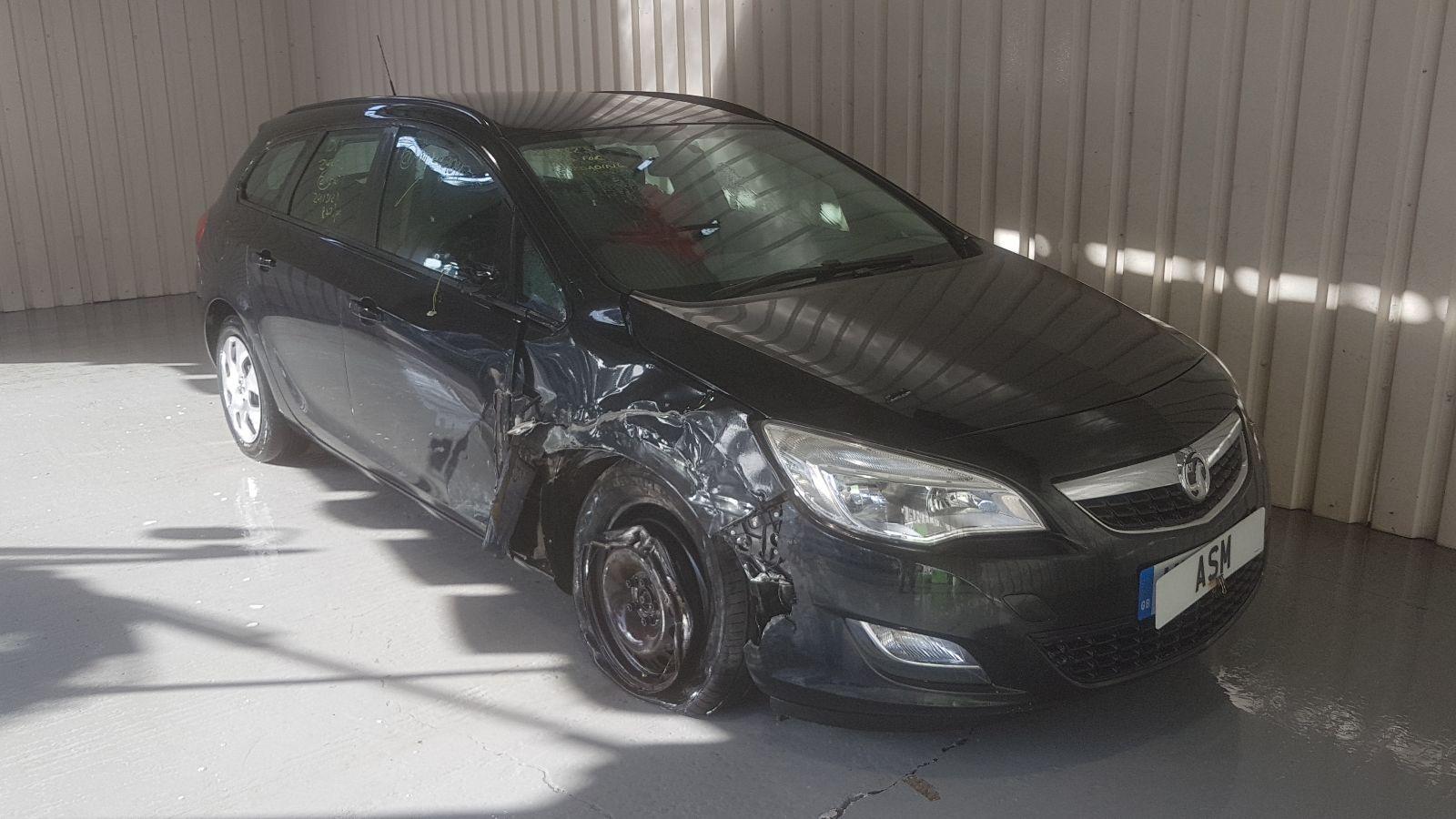 Image for a Vauxhall Astra 2011 5 Door Estate Breaking
