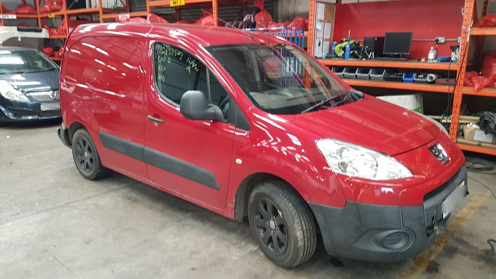 Image for a Peugeot Partner 2009 5 Door Van Breaking