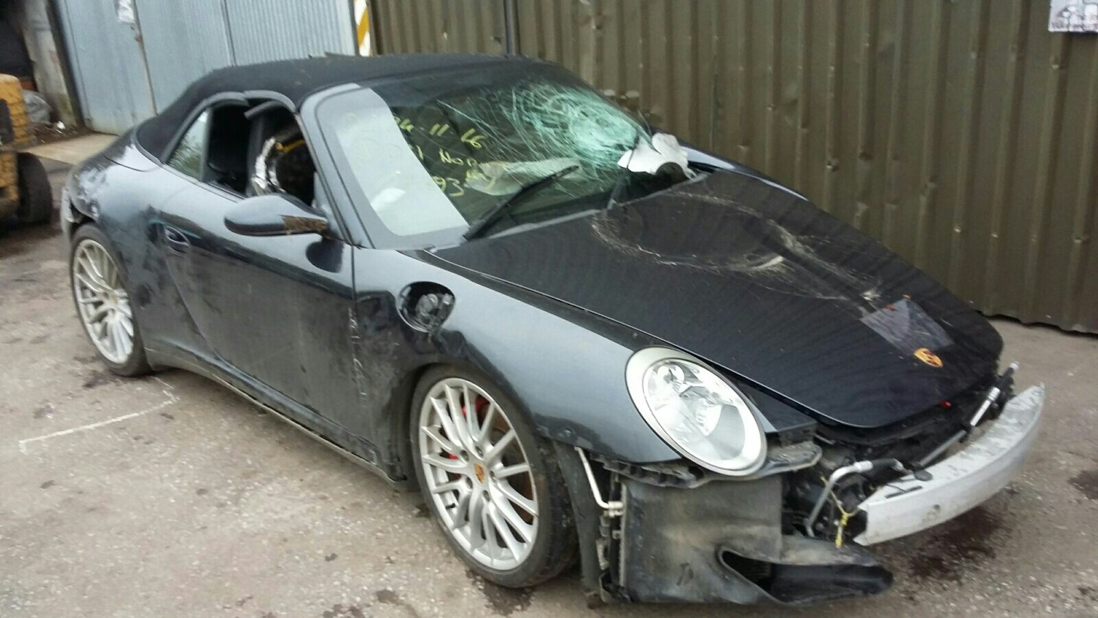 View Auto part Porsche 911 2006 2 Door Bodystyle Convertable