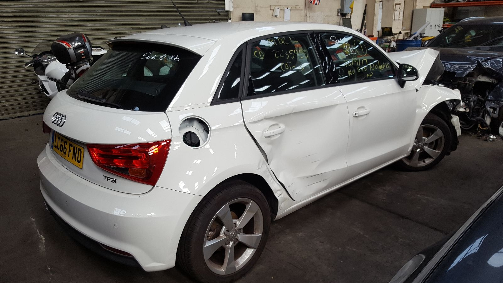 View Auto part LF Window Regulator Audi A1 2016