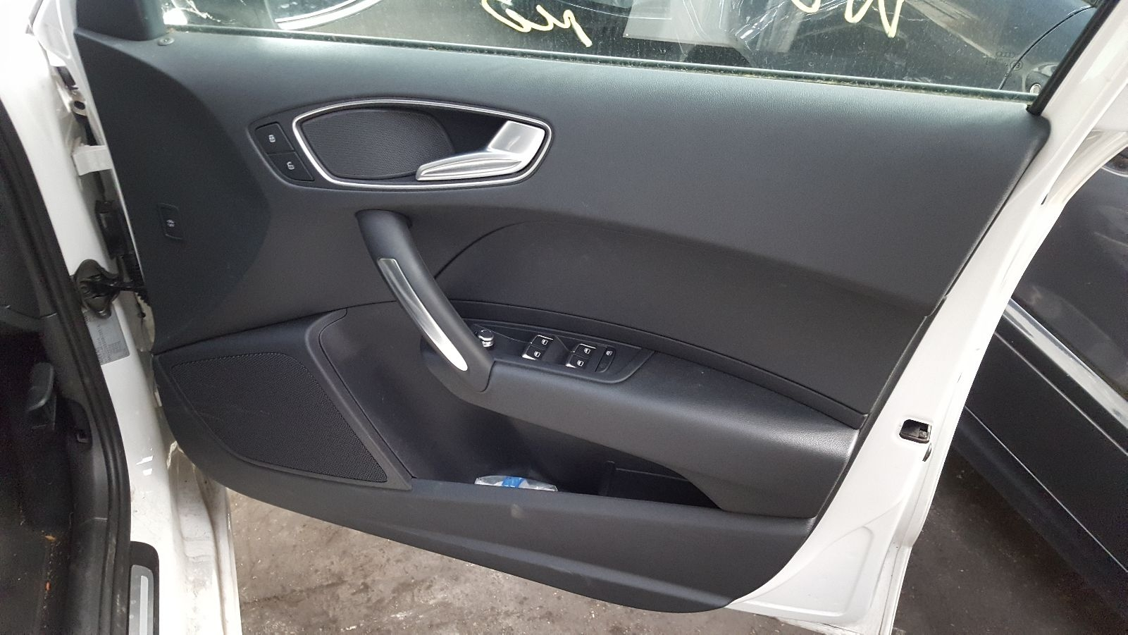 View Auto part Door Handle Audi A1 2016