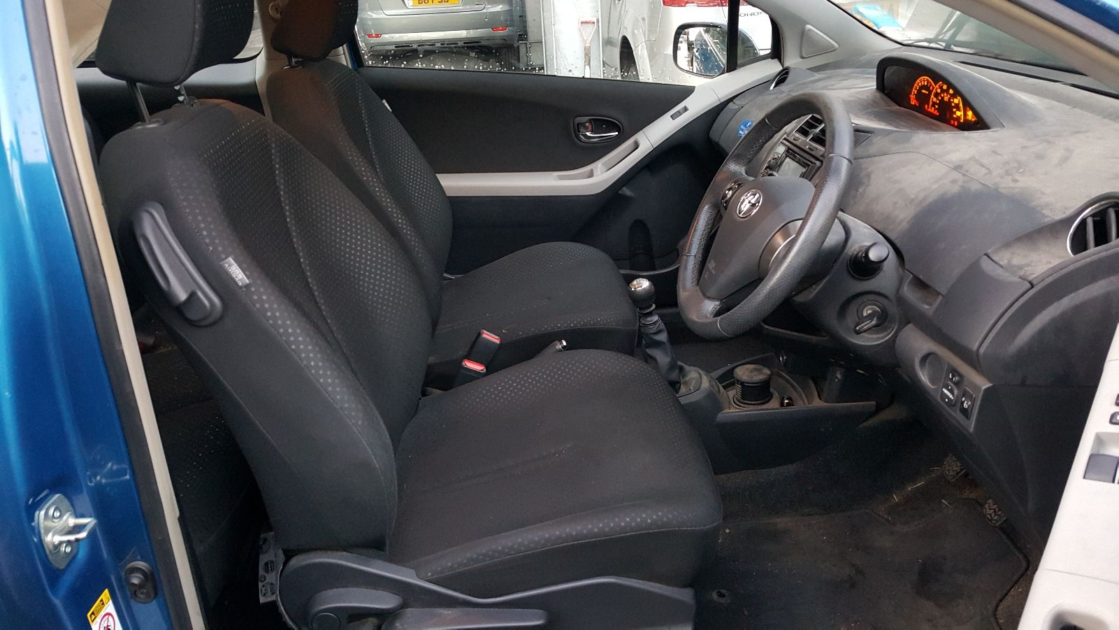 View Auto part Gear Stick/Shifter Toyota Yaris 2011