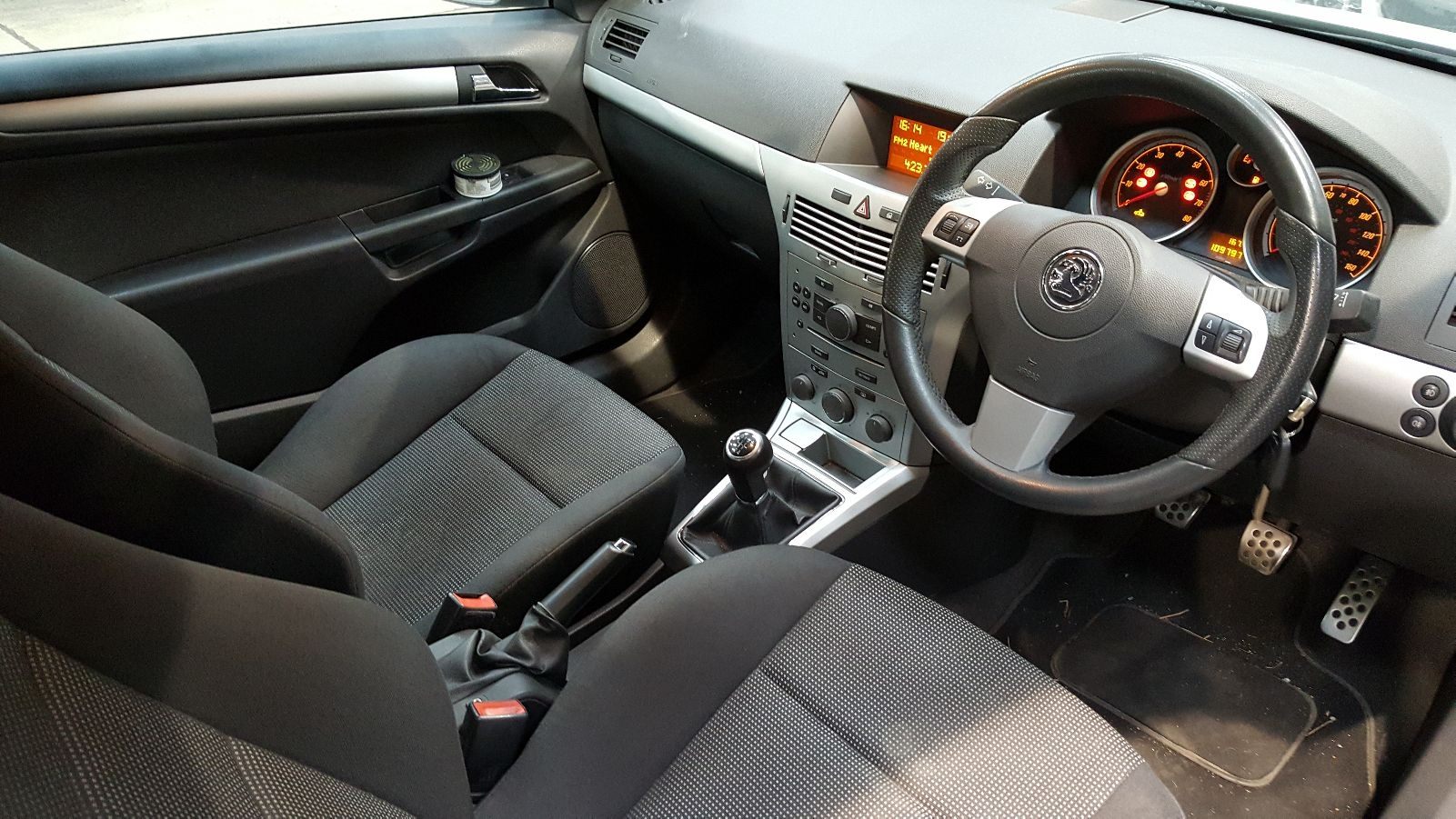 View Auto part Vauxhall Astra 2008 3 Door Hatchback