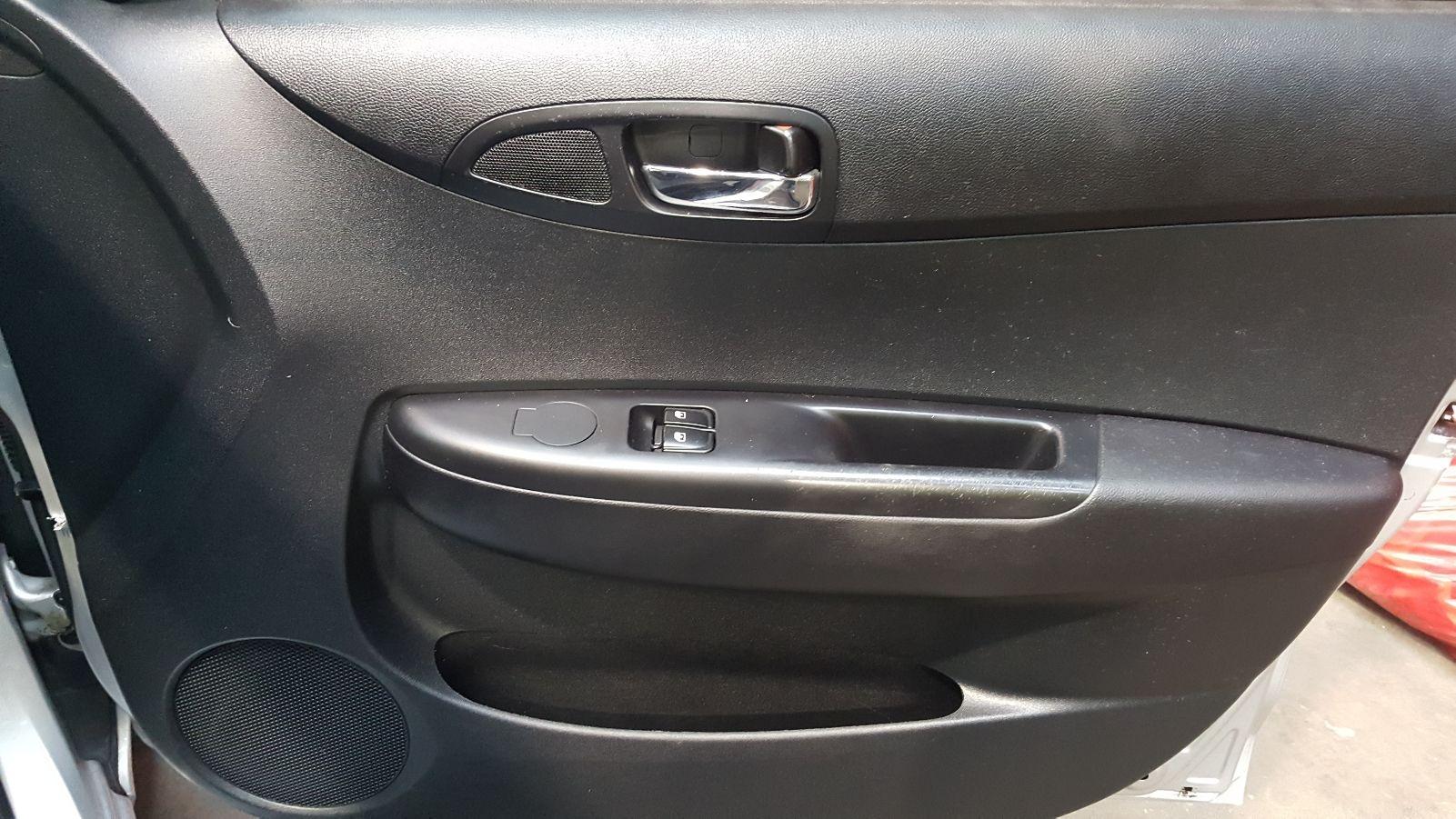 View Auto part Wiper Arm Hyundai I20 2009