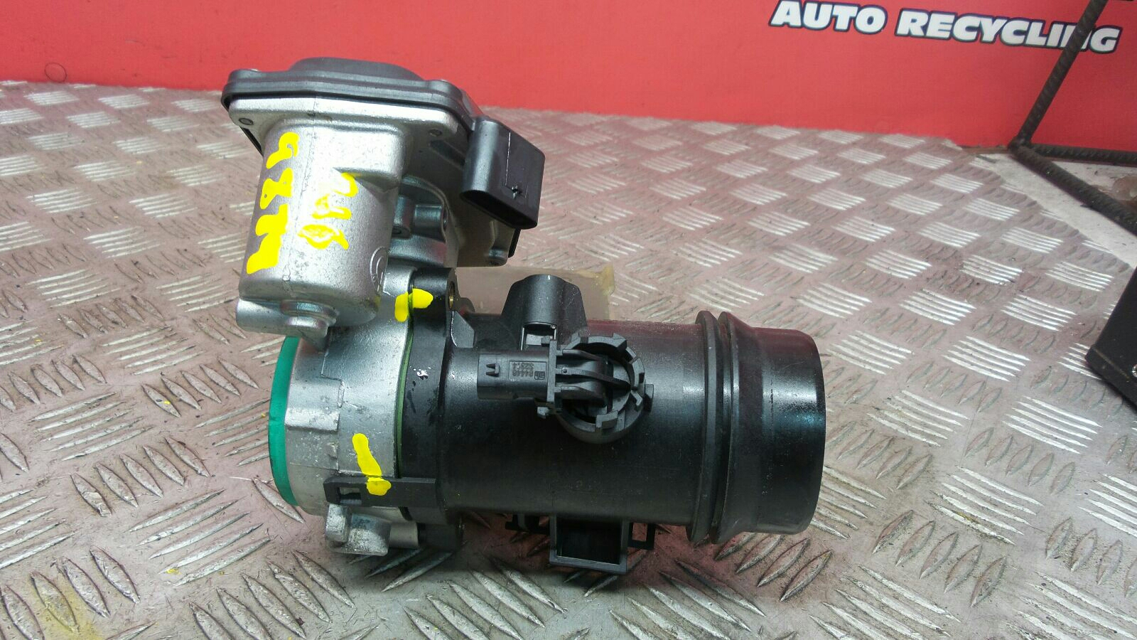 View Auto part Throttle Body Bmw 4 Series 2014
