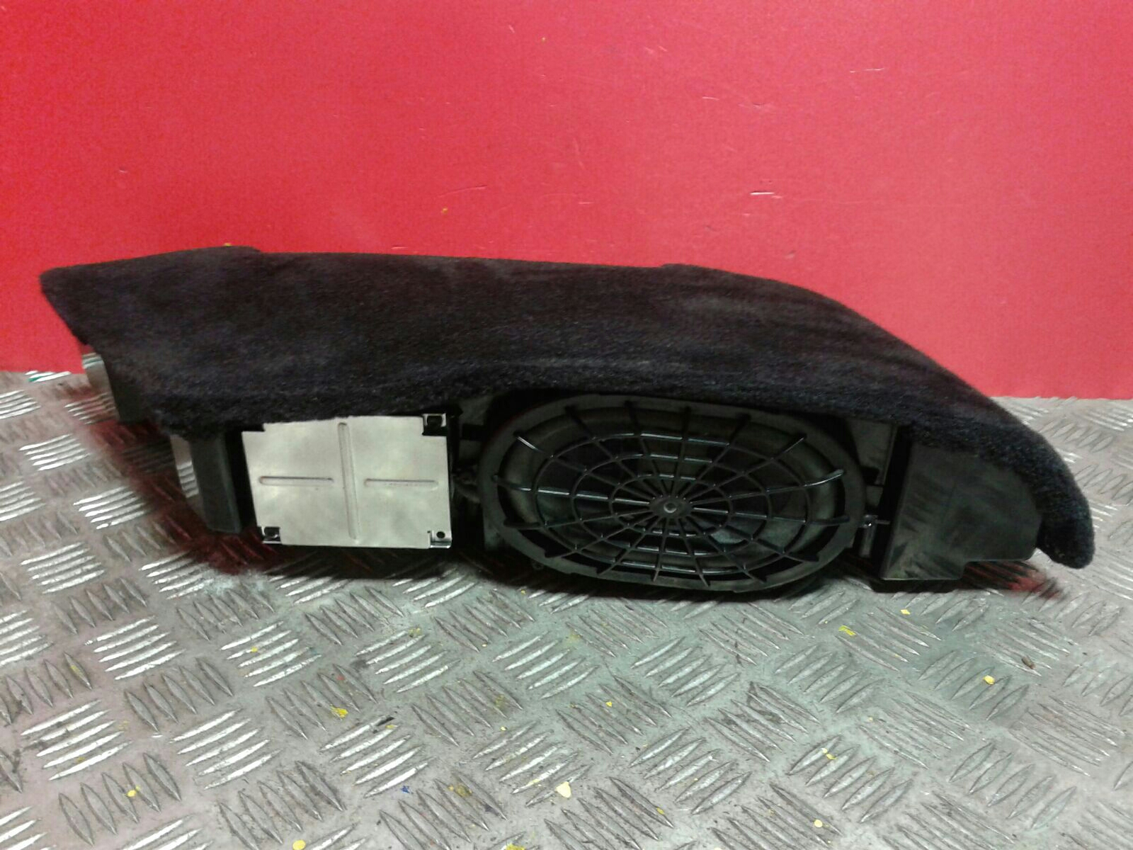View Auto part Loud Speakers Porsche 911 2006