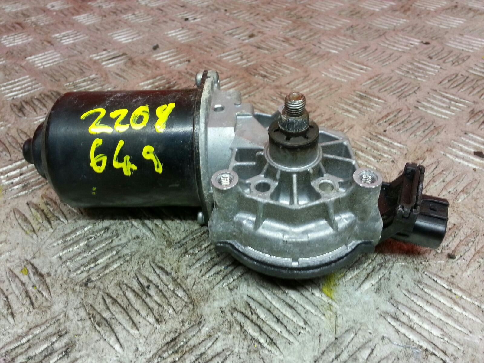 View Auto part Wiper Motor Front Toyota Yaris 2005