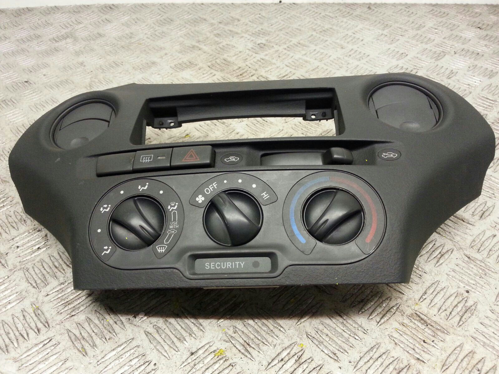 View Auto part Heater/AC Controller Toyota Yaris 2005