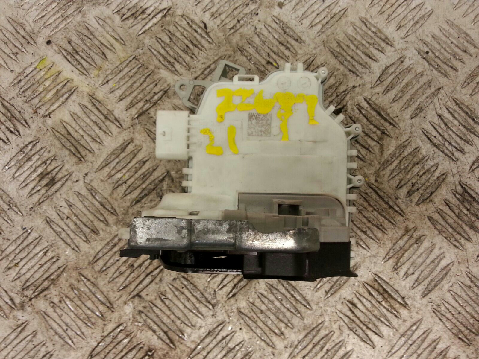 View Auto part Door Lock Assembly Audi A5 2016