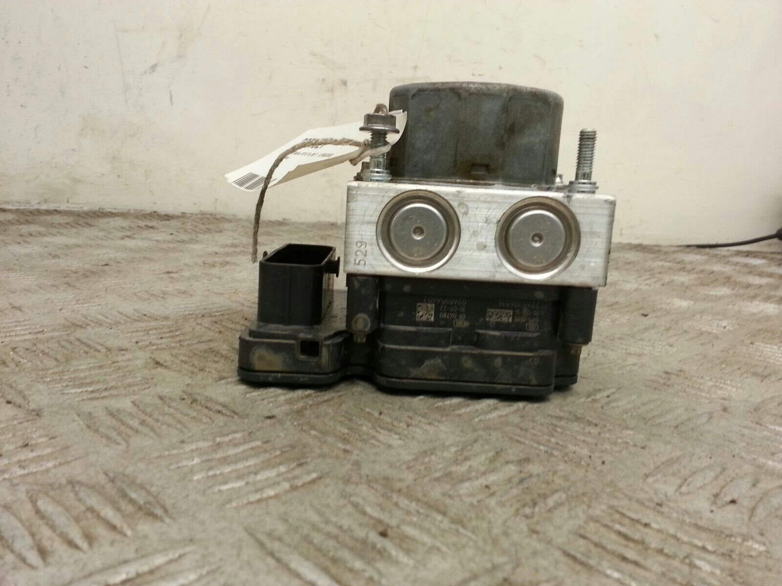 View Auto part ABS Pump/Modulator Renault Captur 2015
