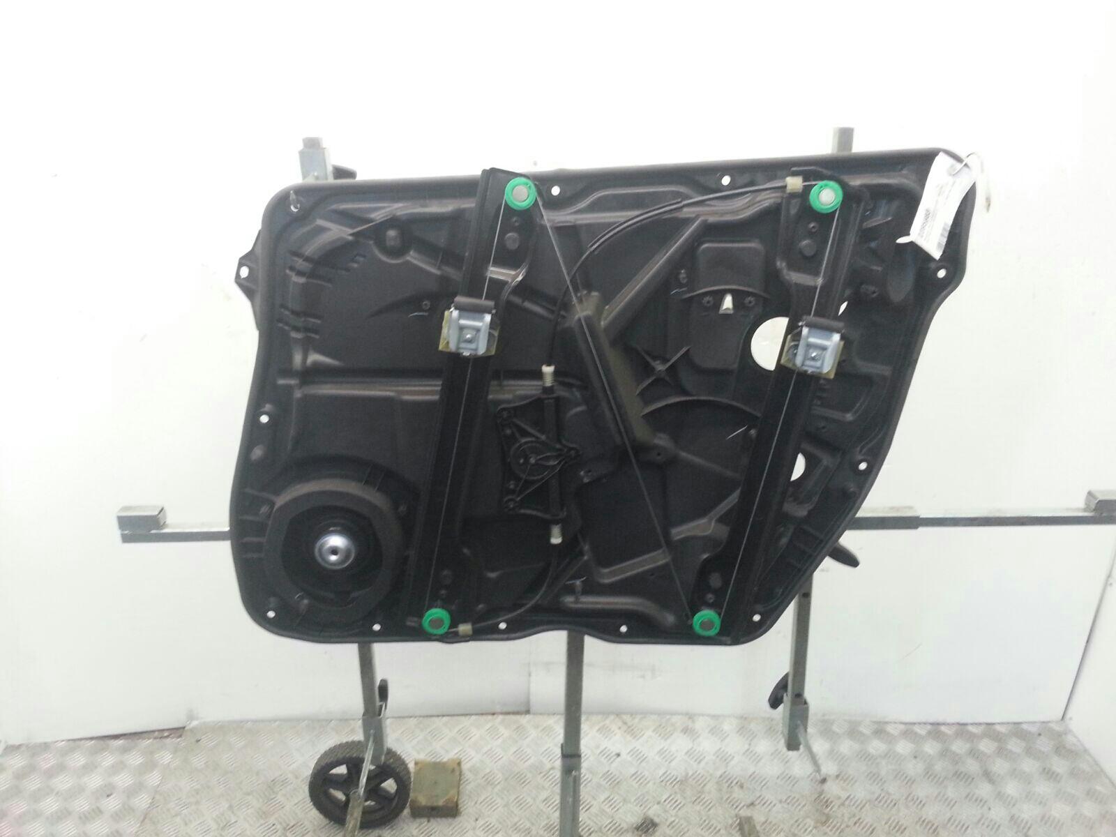 View Auto part LF Window Regulator Mercedes Gl Class 2013