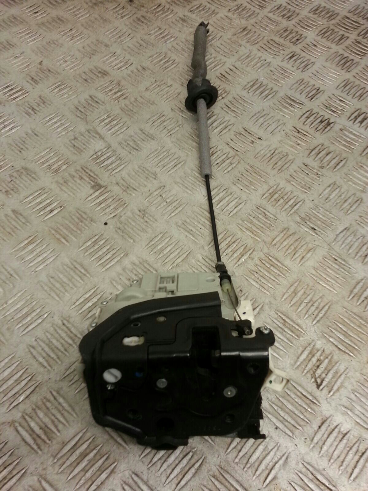 View Auto part Door Lock Assembly Audi A1 2015