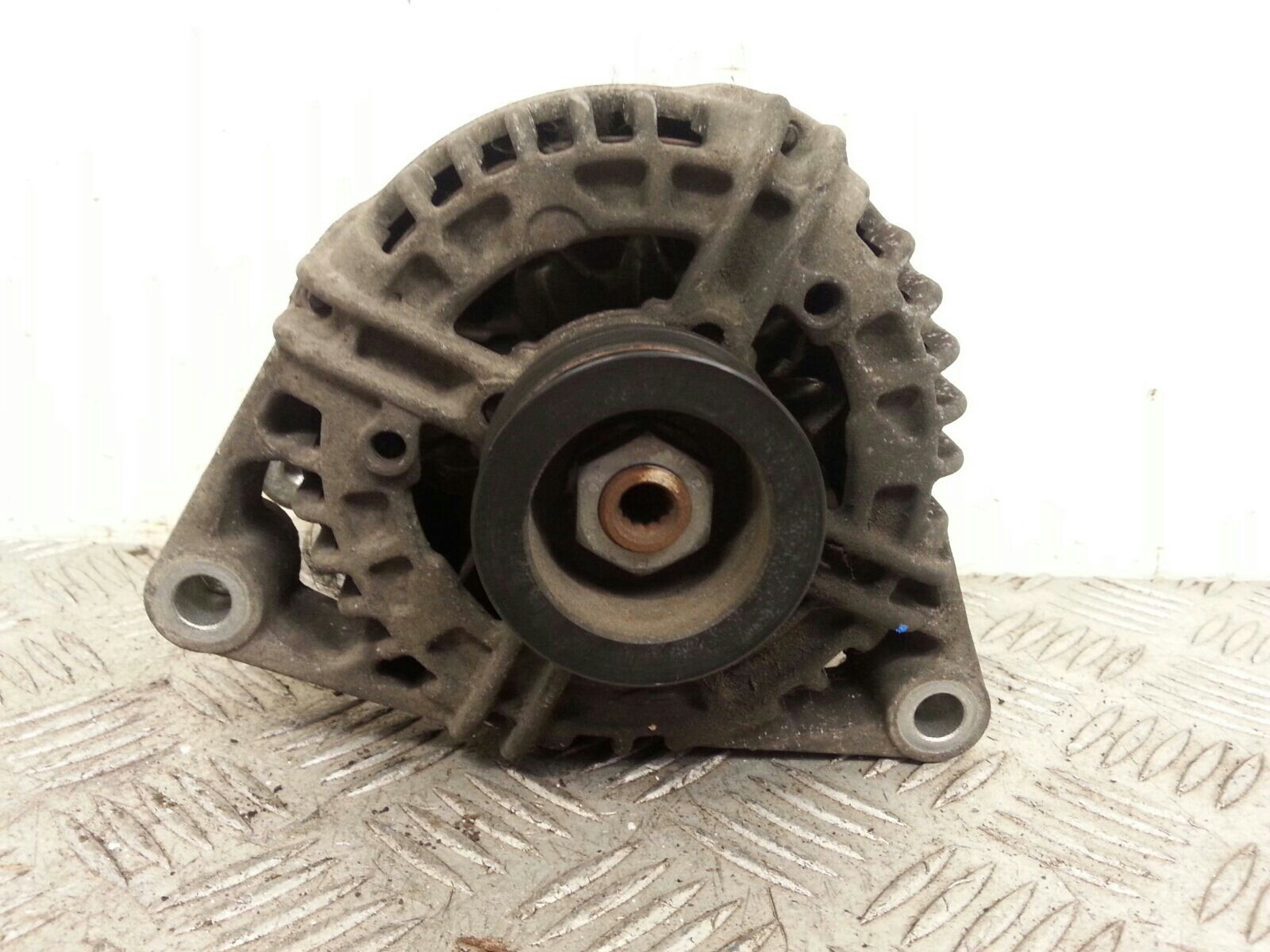 View Auto part Alternator Vauxhall Astra 2005