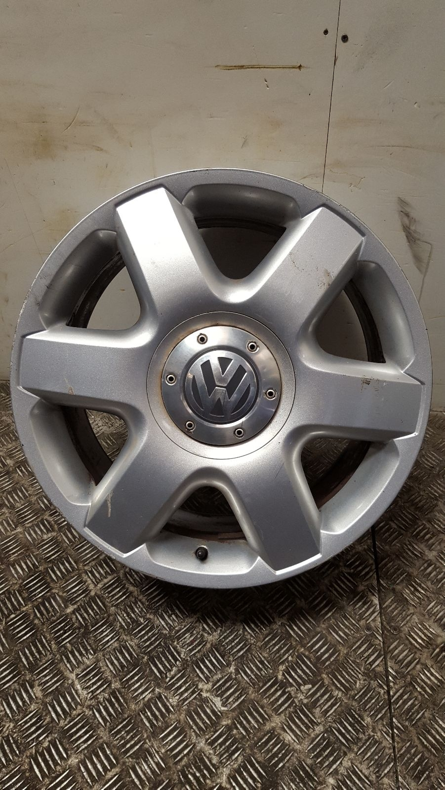 View Auto part Wheel Volkswagen Touareg 2004