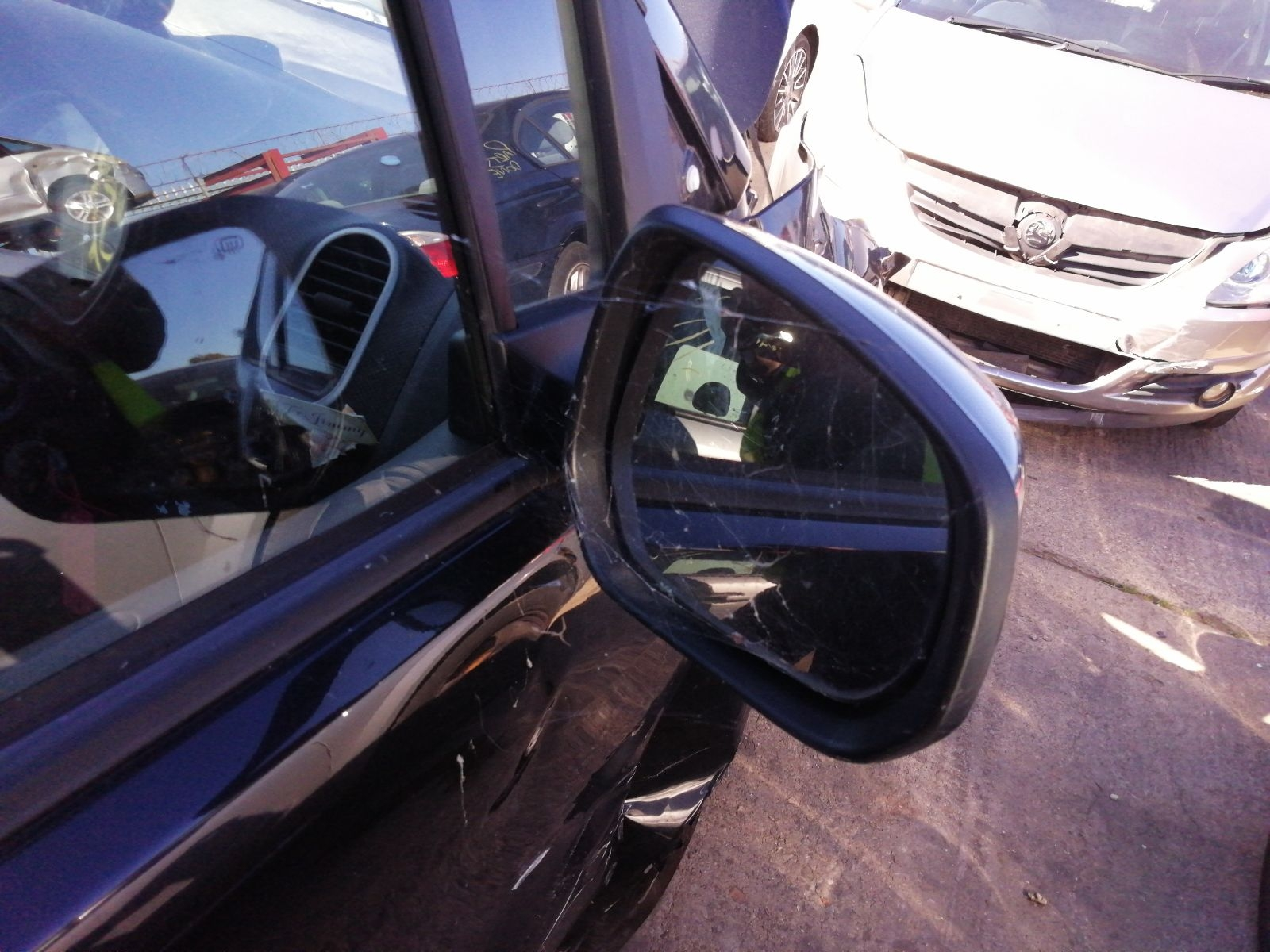 View Auto part R Door Mirror Suzuki Splash 2009