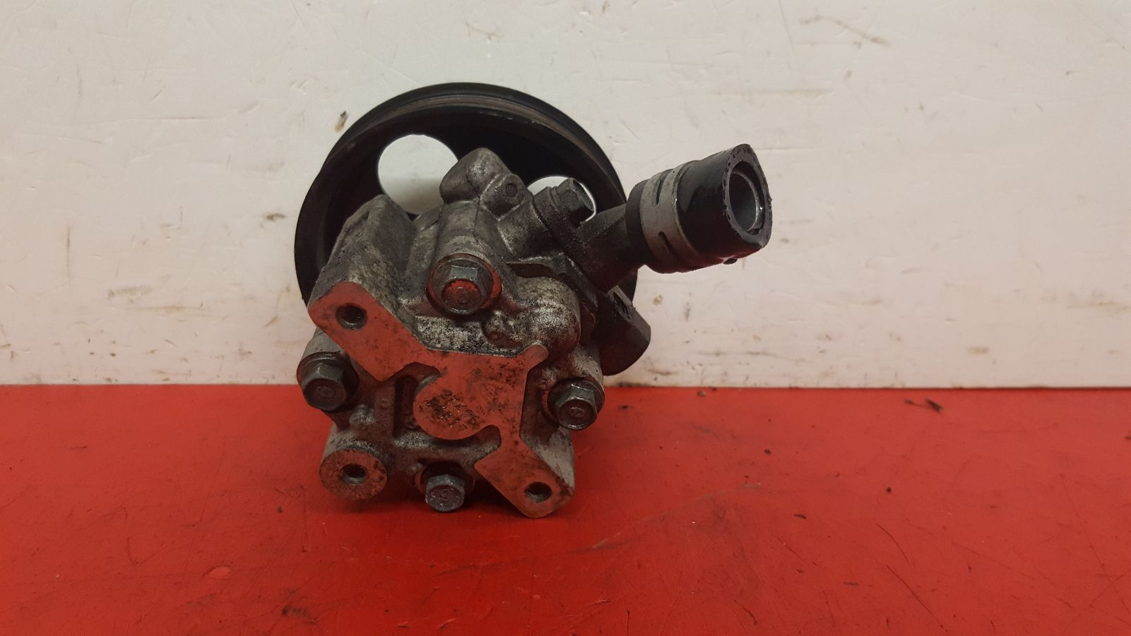 View Auto part Steering Pump Vauxhall Insignia 2011