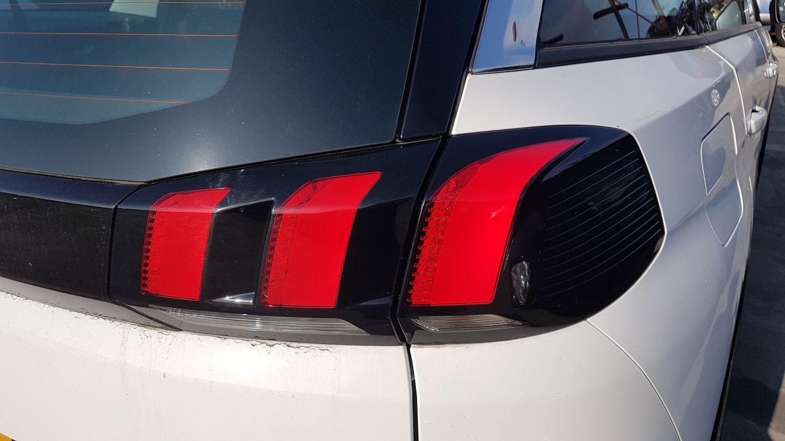 View Auto part R Taillight Peugeot 5008 2018