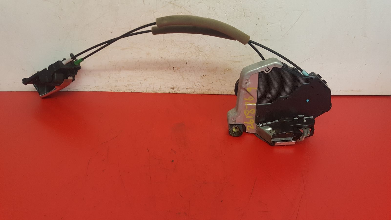 View Auto part Door Lock Assembly Toyota Corolla 2007