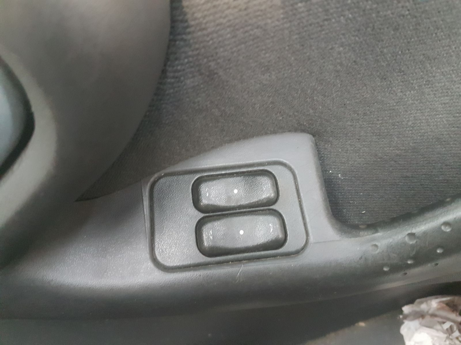 View Auto part Elect. Window Switch Vauxhall Corsa 2002