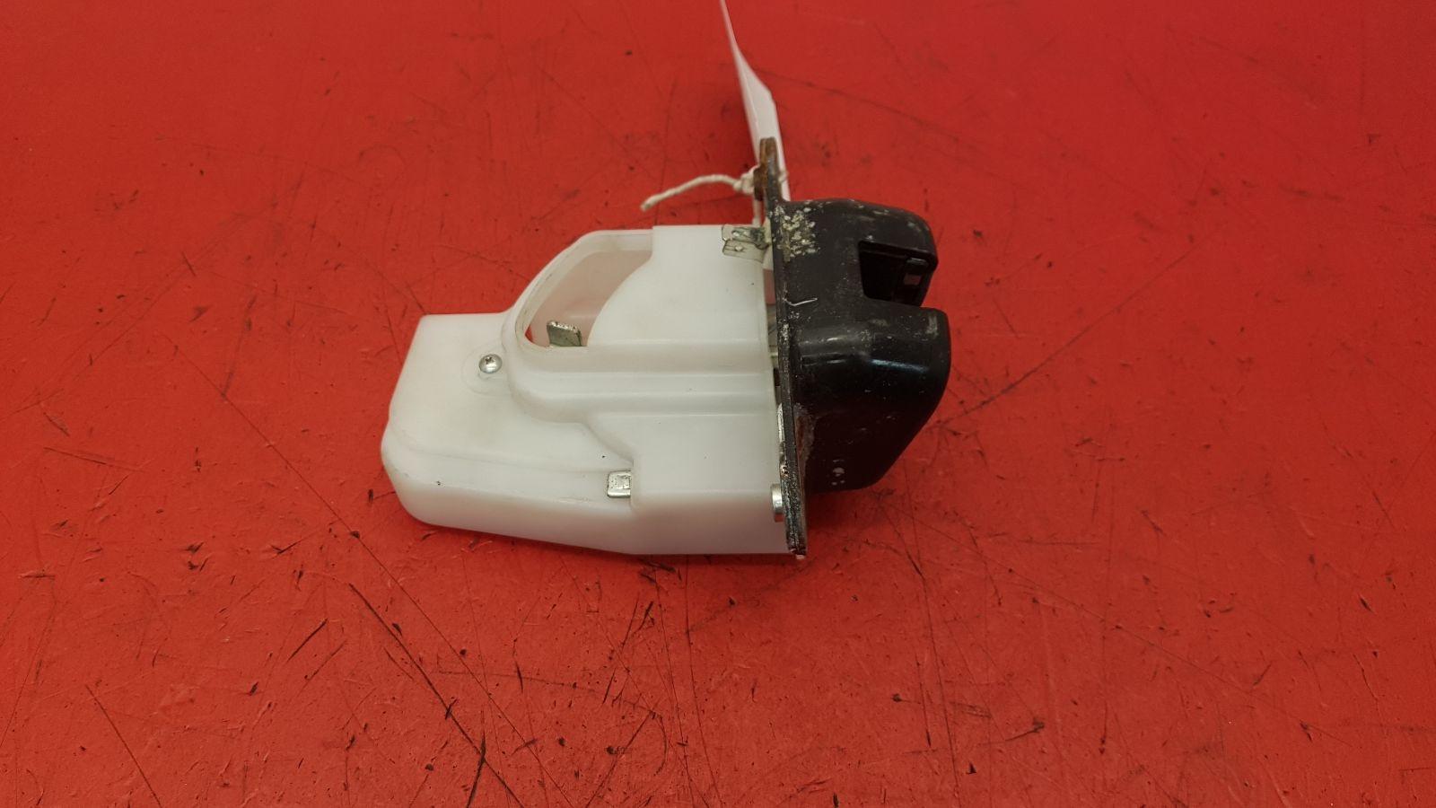 View Auto part Bootlid/Tailgate Lock Honda Crv 2007