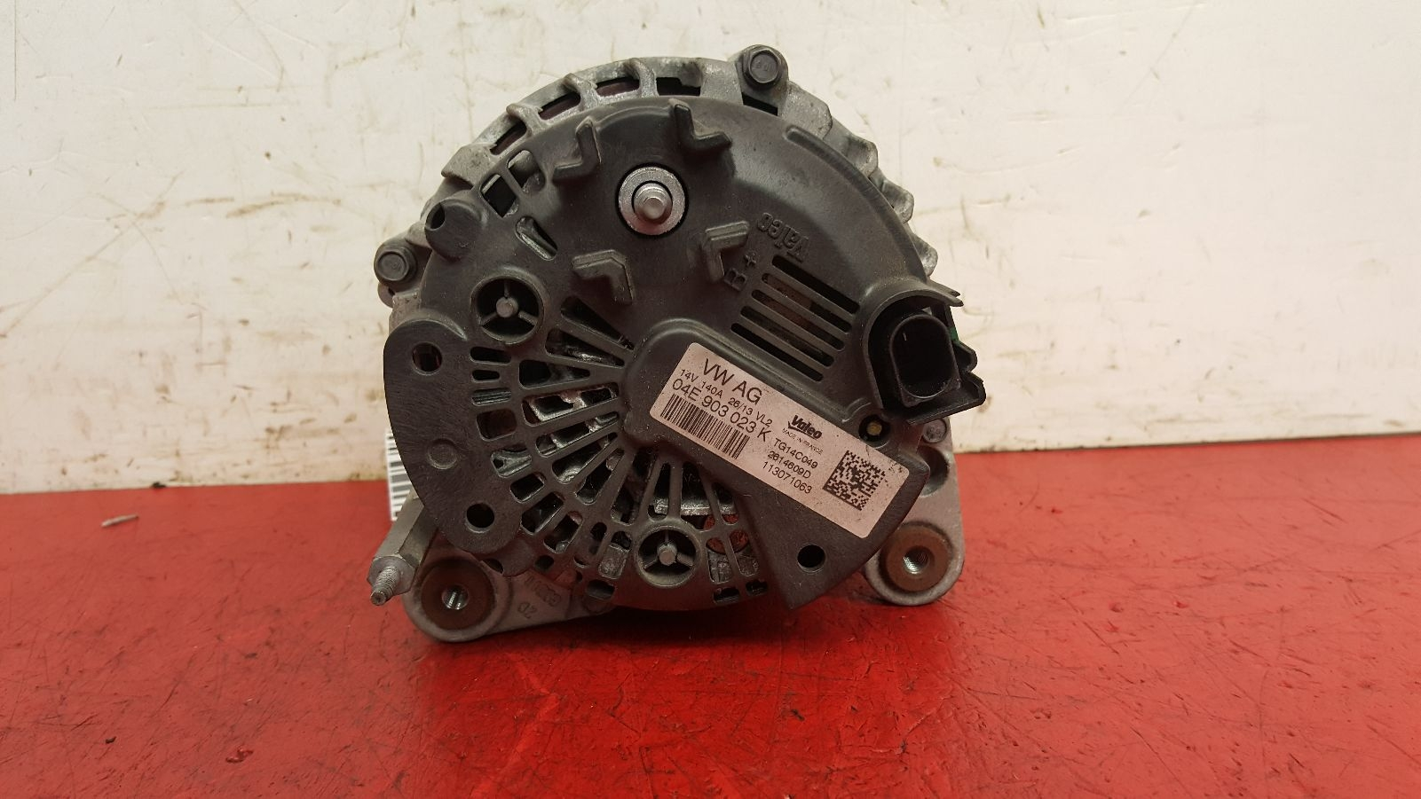 View Auto part Alternator Volkswagen Golf 2013