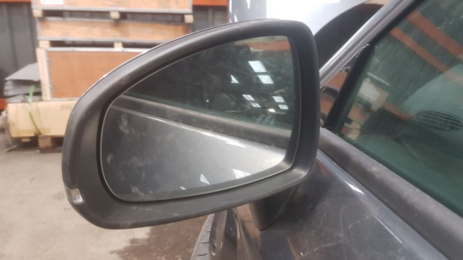 View Auto part L Door Mirror Audi A1 2014