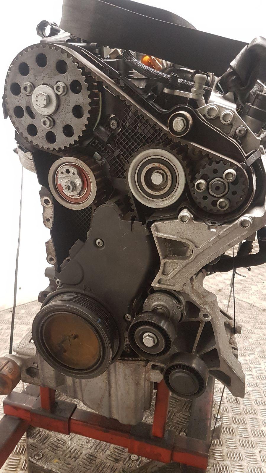 View Auto part Engine Audi Q5 2014