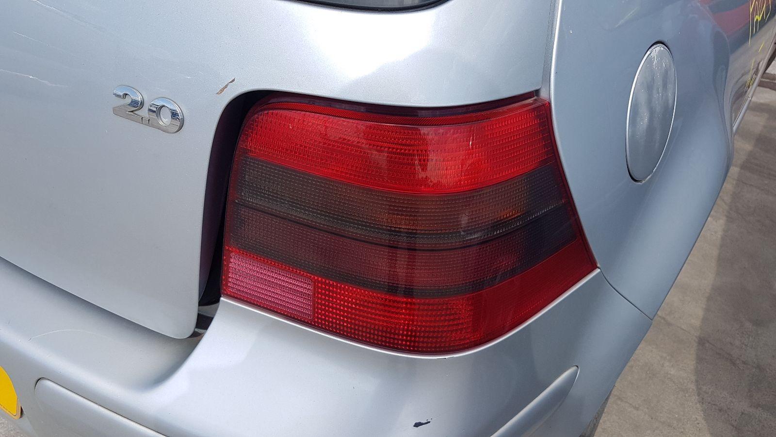 View Auto part R Taillight Volkswagen Golf 2002