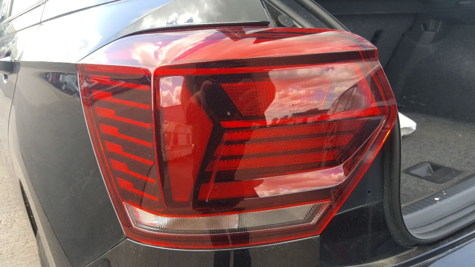 View Auto part L Taillight Volkswagen Polo 2019